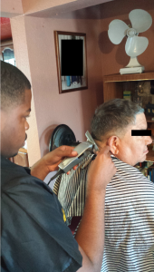 Jeffery_Baxter_cuttinghair
